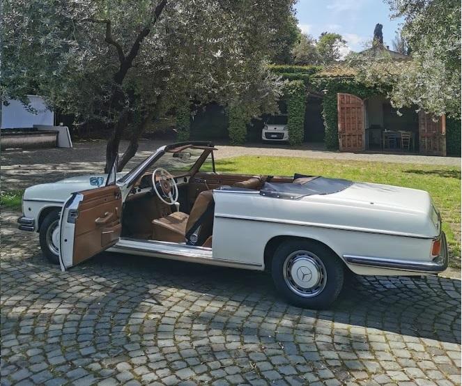 Mercedes 250 Cabrio - noleggio auto d'epoca - noleggio auto matrimoni - nozze auto d'epoca - auto d'epoca per matrimoni - Noleggio Auto matrimoni - nozze auto - auto matrimonio Roma