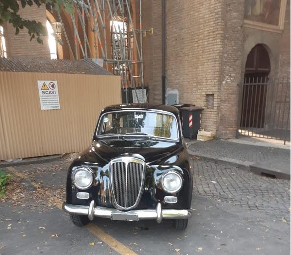 Noleggio auto d'epoca matrimoni roma - noleggio Lancia appia anni 50 - noleggio auto storiche - nozze auto d'epoca