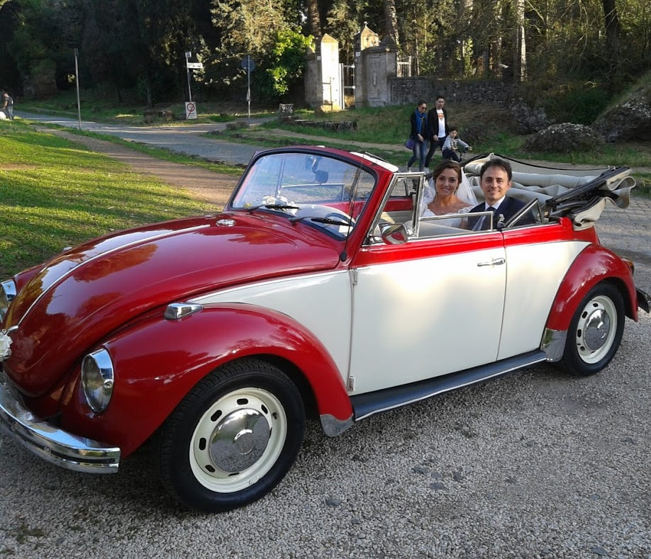 Maggiolone Cabrio Bicolore - auto matrimoni roma - auto d'epoca matrimoni - auto storiche prezzi - auto matrimoni Roma prezzi - matrimonio.com - noleggio auto matrimoni - Noleggio Auto matrimoni - nozze auto - auto matrimonio Roma