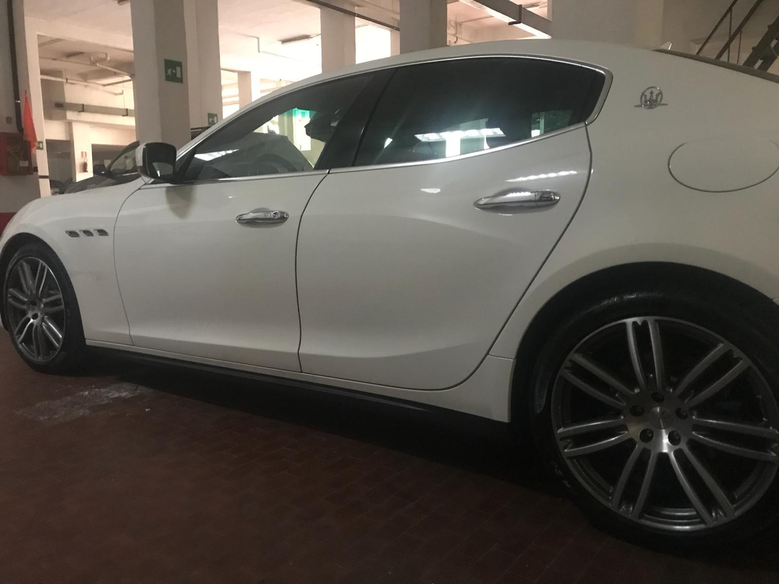 Maserati Ghibli noleggio auto matrimoni roma - noleggio auto nozze roma - auto matrimonio - noleggio auto roma