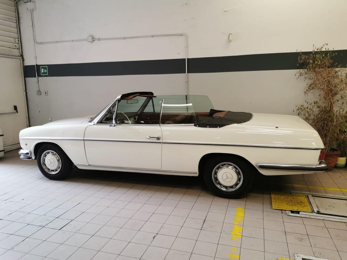 Mercedes 250 cabrio - Noleggio auto matrimoni - nozze auto d'epoca - auto d'epoca per matrimoni ed eventi speciali, cinema
