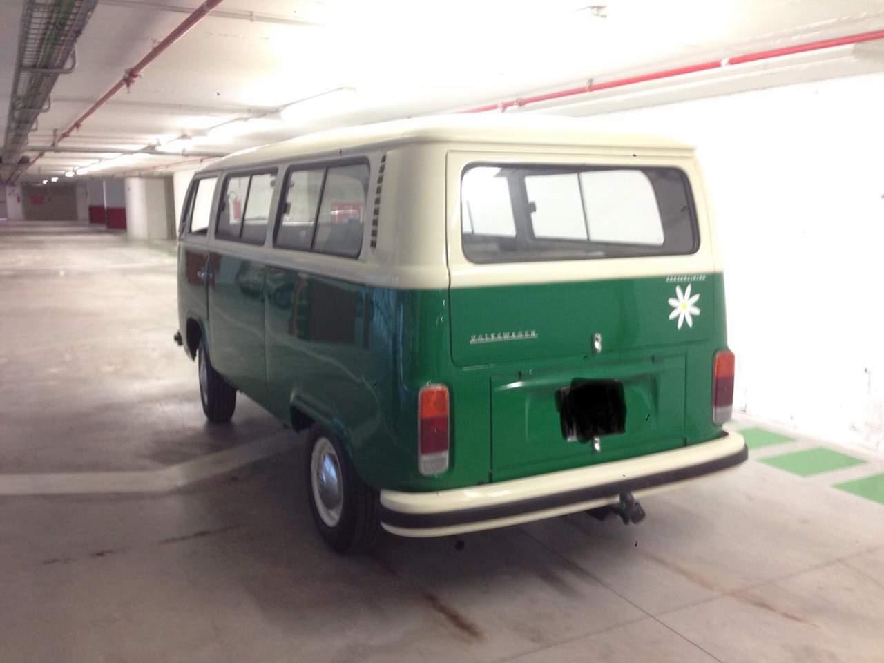 Noleggio auto matrimoni Roma pulmino T2 Vintage verde