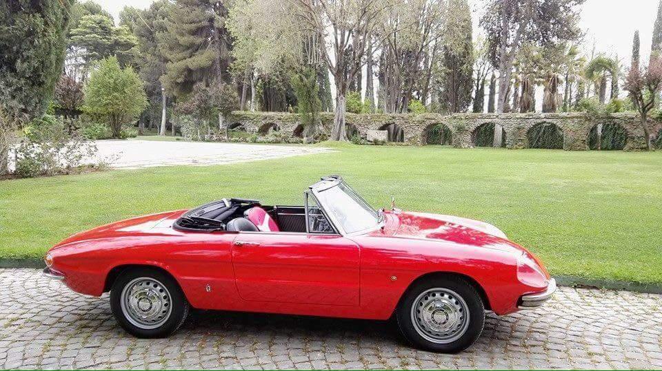 Spider Duetto anni 60 - noleggio spider roma - noleggio auto d'epoca - noleggio auto matrimoni roma - noleggio auto storiche - Noleggio Auto matrimoni - nozze auto - auto matrimonio Roma